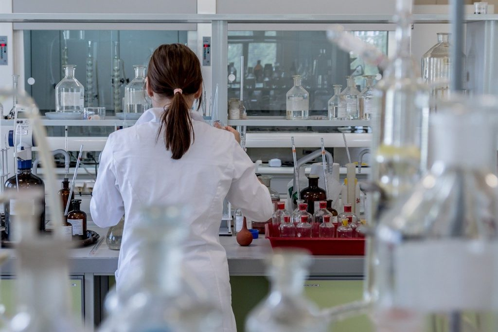 Warta wspiera 34 szpitale w walce z pandemią