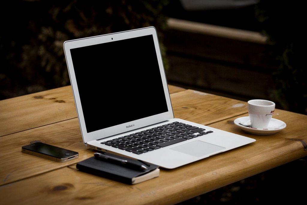 Internauci nie reagują na rosnące zagrożenie w sieci